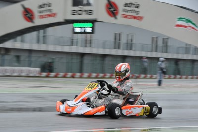 WET HEATS AT THE WSK SUPER MASTER SERIES AT THE ADRIA KARTING RACEWAY: POLE POSISTION TO VIDALES (E – TONY KART-VORTEX OK), VEZZARO (TONY KART-LKE OKJ), ABBASSE (F – SODI-TM KZ2) AND KUCHARCZYK (PL – PAROLIN-TM 60 MINI). Gallery