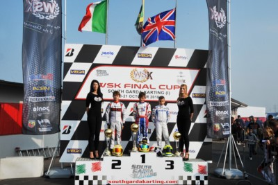 IL SOUTH GARDA KARTING DI LONATO (BS) FESTEGGIA I VINCITORI DI TAPPA DELLA WSK FINAL CUP: POWELL (JAM – ENERGY-TM 60 MINI), BARNARD (GB – KR-PARILLA OKJ), TRAVISANUTTO (I – KR-PARILLA OK) E LAMMERS (NL – SODI-TM KZ2). Gallery