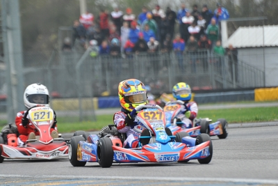LE CLASSIFICHE DELLA WSK FINAL CUP SI APRONO DOPO LA TAPPA DI CASTELLETTO (PV). IN TESTA SONO POWELL (JAM – ENERGY-TM 60 MINI), BARNARD (GB – KR-PARILLA OKJ), RENAUDIN (F – SODI-TM KZ2) E TRAVISANUTTO (I – KR-PARILLA OK).
